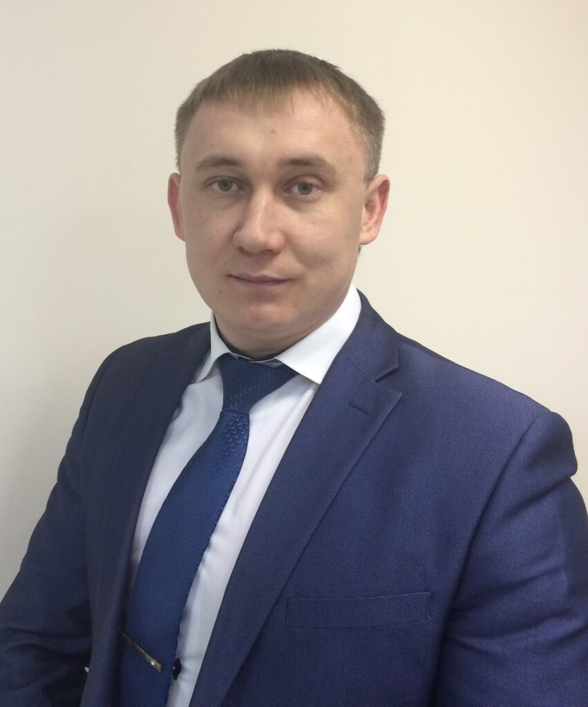 Ялаев Виталий Георгиевич